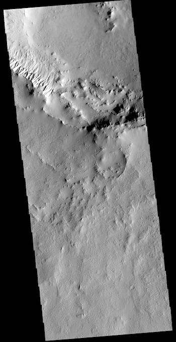 Cimmeria crater gullies (THEMIS_IOTD_20190424)