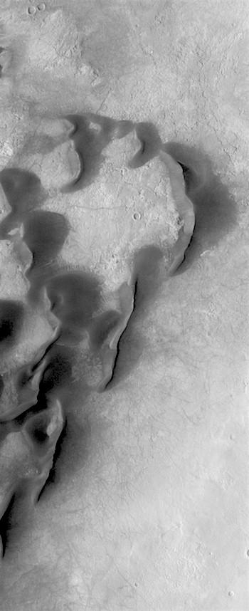 Kaiser Crater dunes (THEMIS_IOTD_20190423)