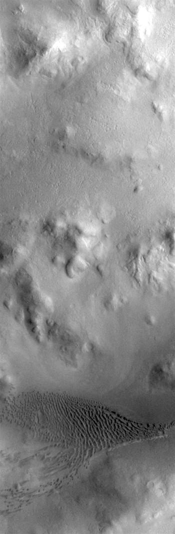 Lyot Crater dune field (THEMIS_IOTD_20190809)